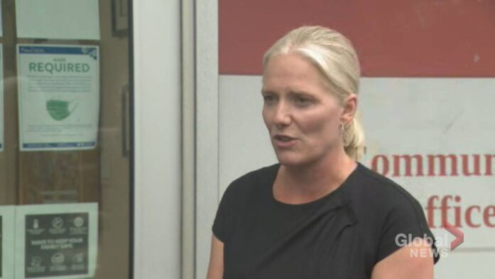 Click to play video 'Infrastructure Minister Catherine McKenna calls for an end to hateful rhetoric on social media'