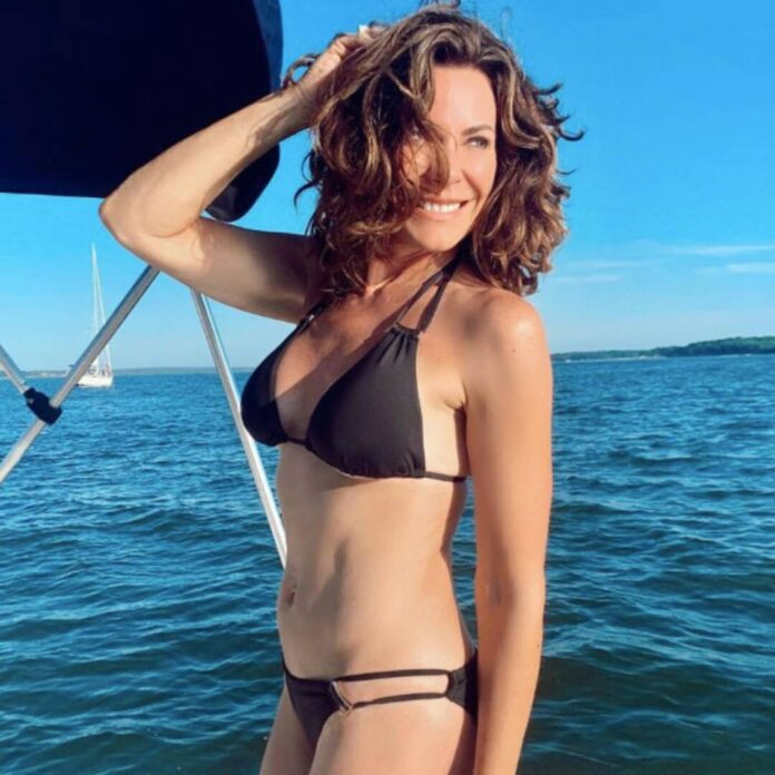 Luann De Lesseps' Clay-Covered Nude Photo Has the Internet Confused