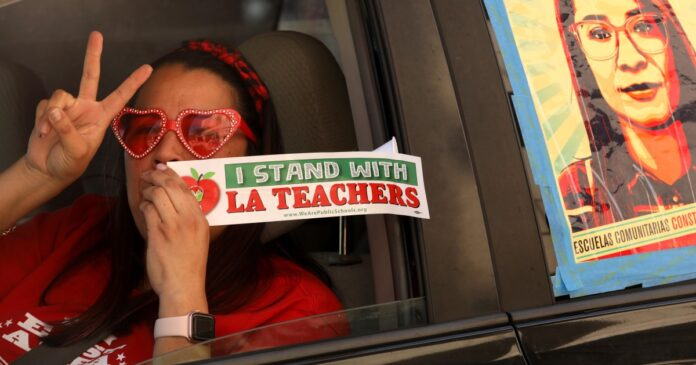 No quick path to reopening L.A. Unified is emerging as school year slips away